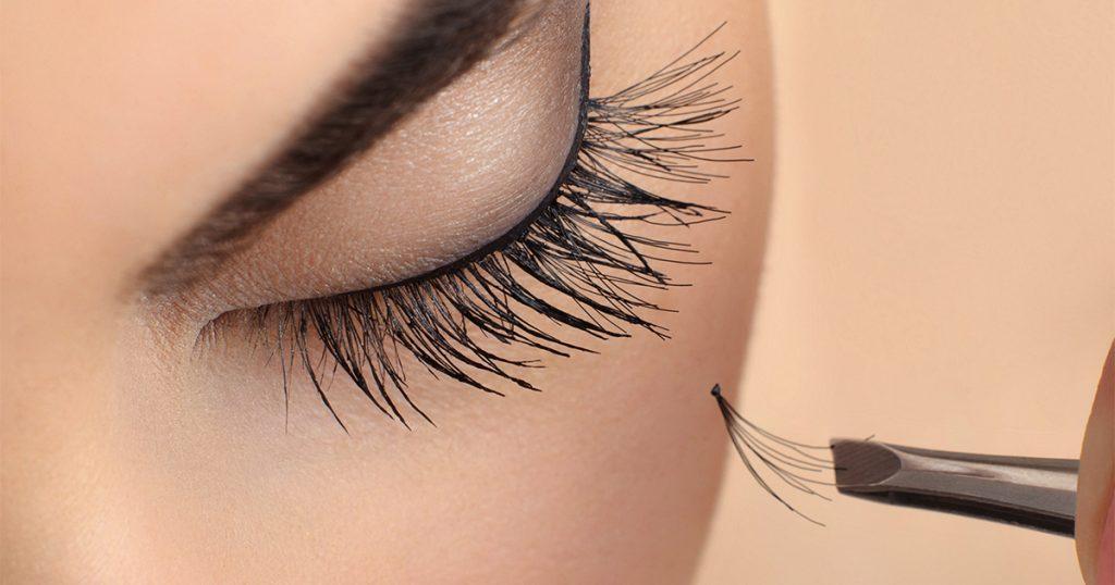 How To Apply Individual False Eyelashes Like a Pro
